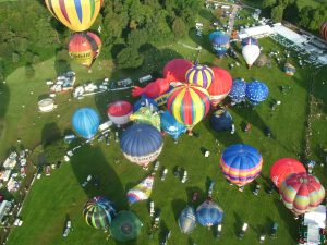 Ballooning festival mass ascent